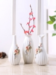 Set of 3 White Ceramic Flower Vases